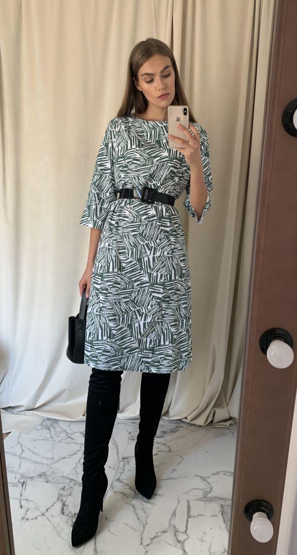 m2966 Платье с тёмно-зелёной абстракцией