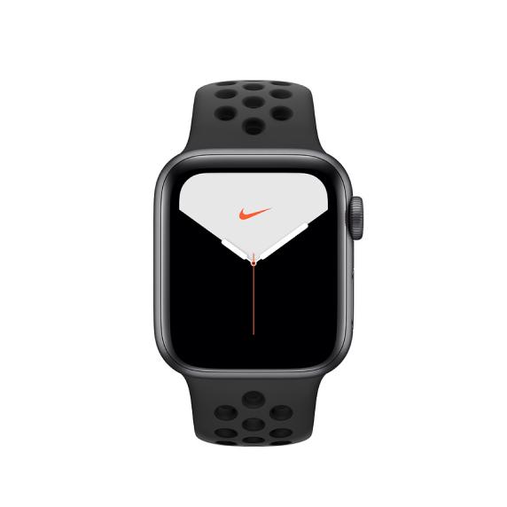 Apple Watch Nike, 40 мм, Корпус из алюминия серебристого цвета, спортивный ремешок Nike цвета «чистая платина/чёрный»