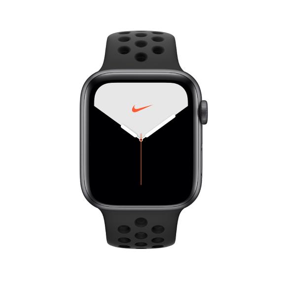 Apple Watch Nike, 44 мм, Корпус из алюминия серебристого цвета, спортивный ремешок Nike цвета «чистая платина/чёрный»