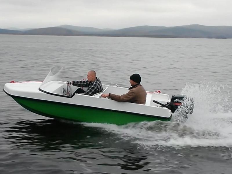 Капотный катер ВИЗА Легант-380