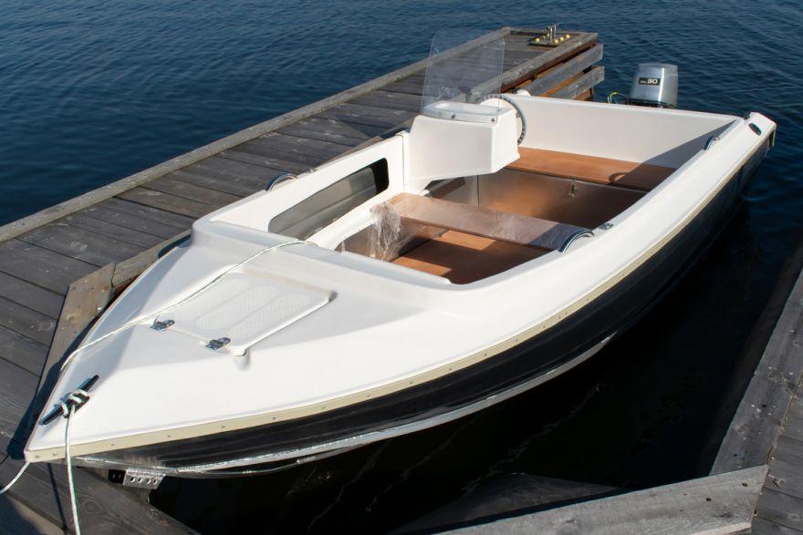 Алюминиевый катер с пластиковым верхом ВИЗА Алюмакс-435