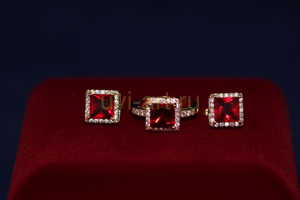 Комплект позолоченных украшений - серьги и кольцо (арт. 800216)