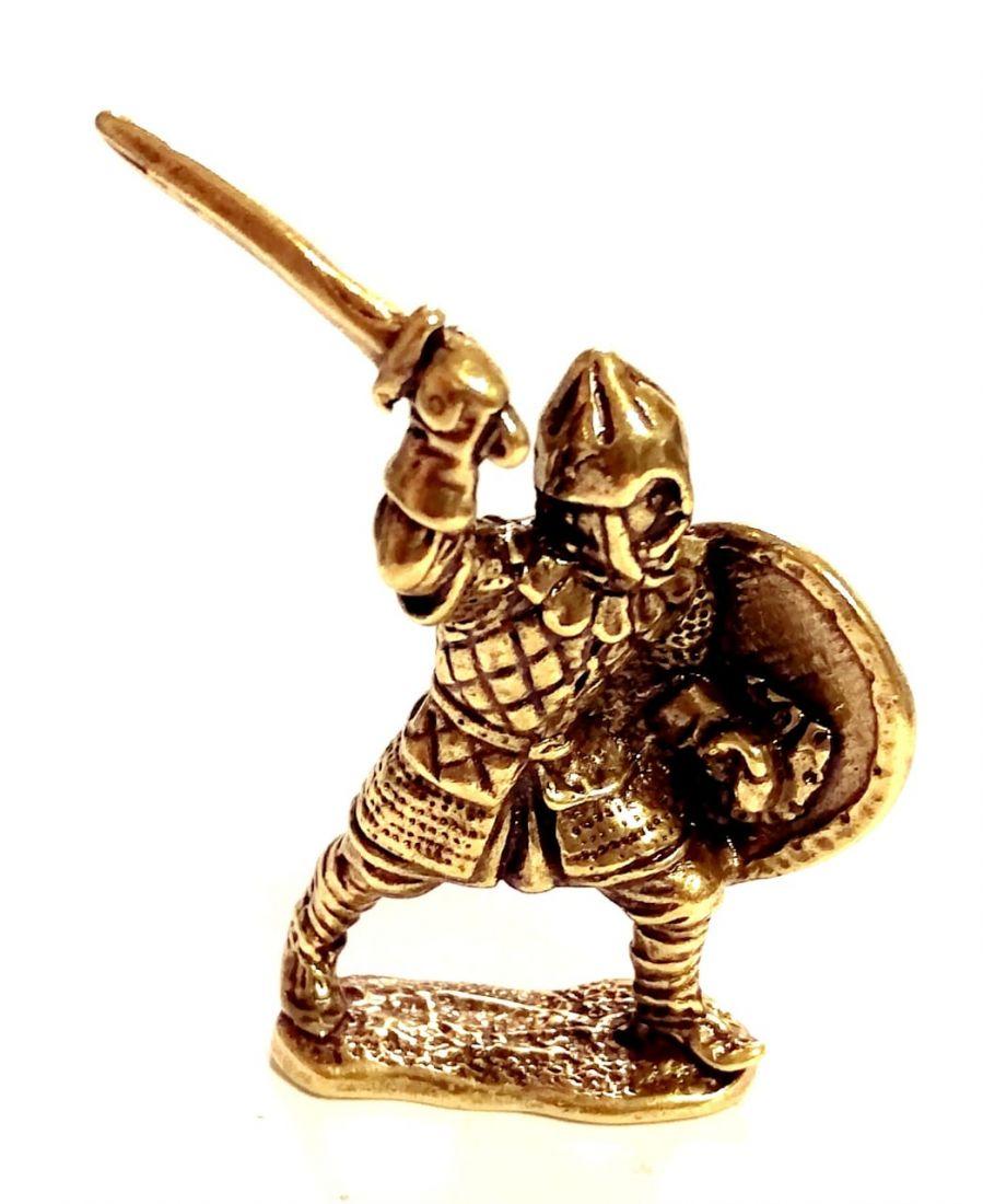 Фигурка Дружинник с мечом