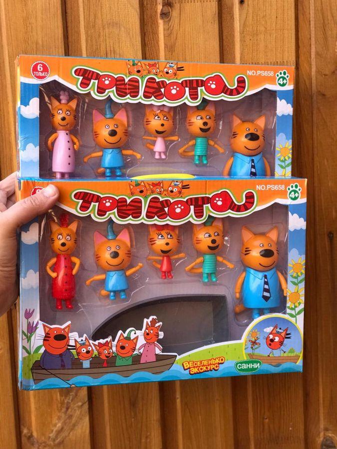 """Набор героев """"Три кота"""" с лодкой"""