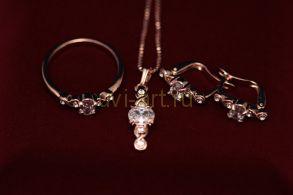 Комплект позолоченных украшений с фианитами - серьги, кольцо, подвеска с цепочкой (арт. 800221)