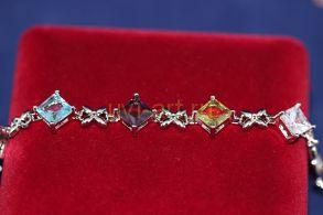 Позолоченный белым золотом браслет с искусственными топазами (арт. 800227)