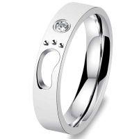 Женское кольцо Лапка