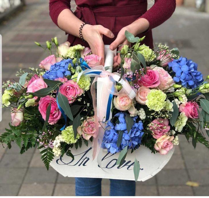 Деревянный ящик цветов  IN LOVE