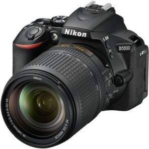 Nikon D5600 Kit 18-140mm f/3.5-5.6G ED VR DX AF-S