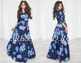 Синее платье в пол с цветочным принтом и длинными рукавами
