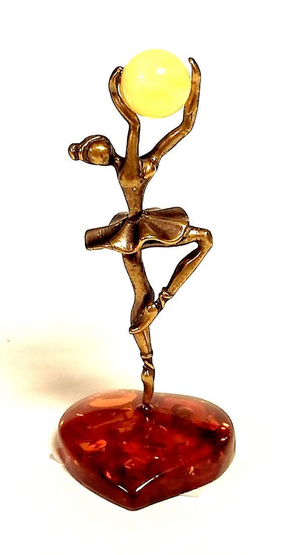 Фигурка Балерина на янтаре