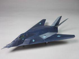 Сборная модель американский боевой бомбардировщик F-117A 1:144