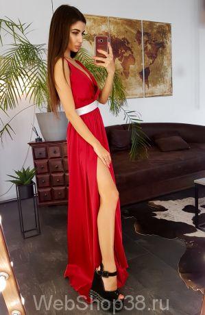 Красное вечернее платье в пол с разрезом и блестящей резинкой на талии