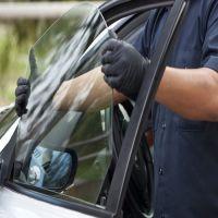 Замена бокового стекла авто