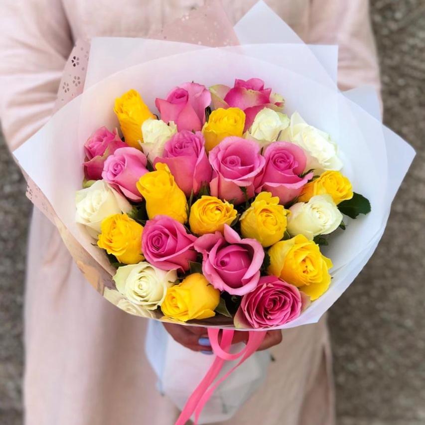АКЦИЯ! 25 кенийских роз микс в красивой упаковке