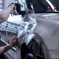 Оклейка передних крыльев авто защитной плёнкой