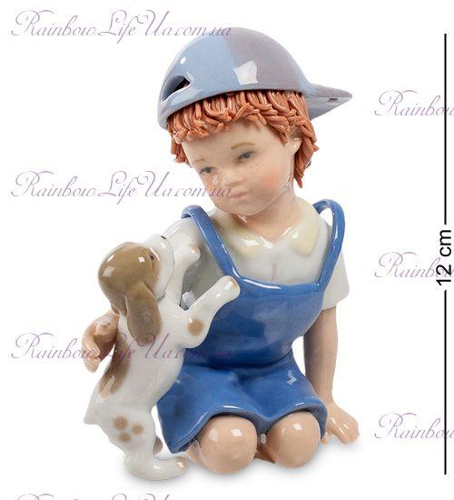 """Фигурка мальчик с собачкой """"Pavone"""""""
