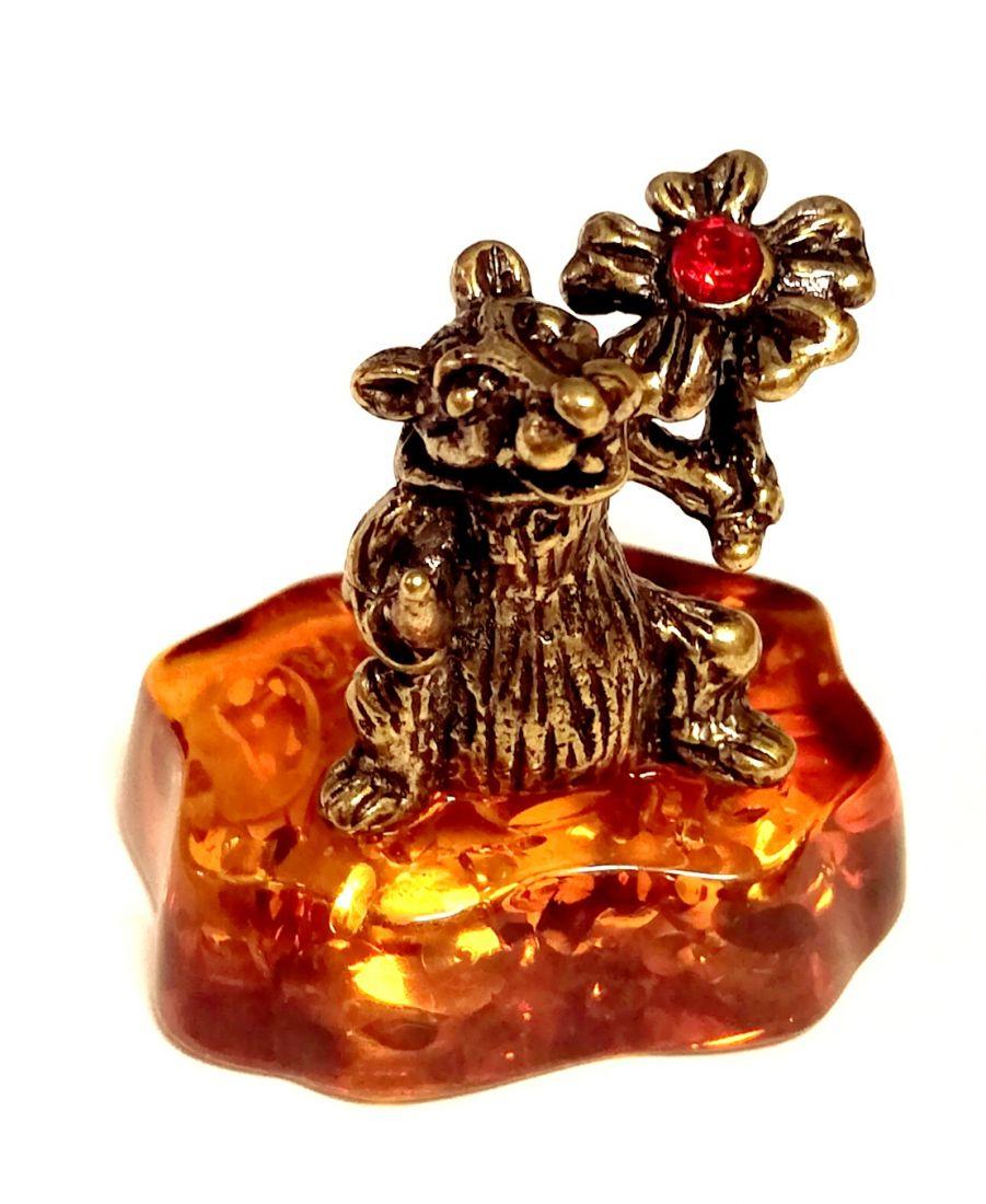 фигурка мышь с цветком на янтаре