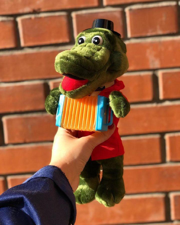 Крокодил Гена музыкальная игрушка