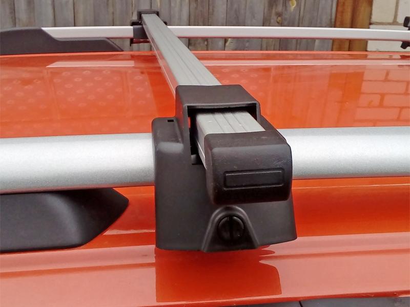 Багажник (поперечины) на рейлинги на Geely MK Cross, Атлант, алюминиевые дуги