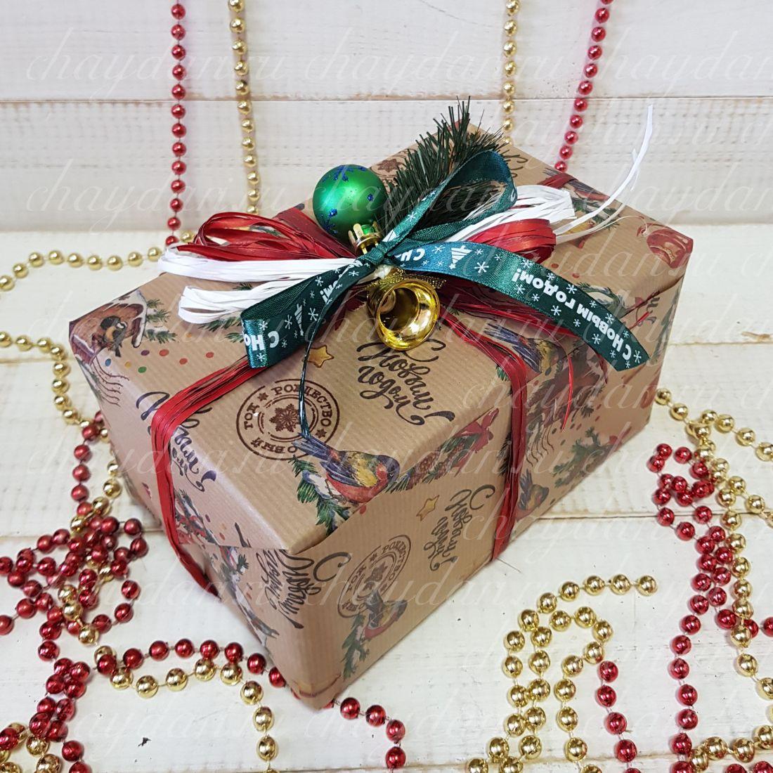 """Коробка с чаем, сладостями и орехами """"Новогодние птички"""""""