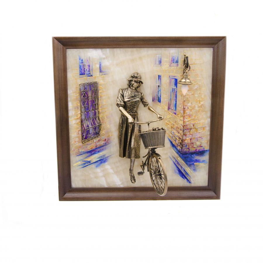 """Картина """"Велосипедистка"""" рисованная с подсветкой"""