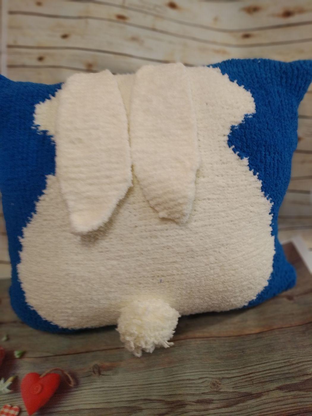 Декоративная подушка с Зайцем(Голубая).
