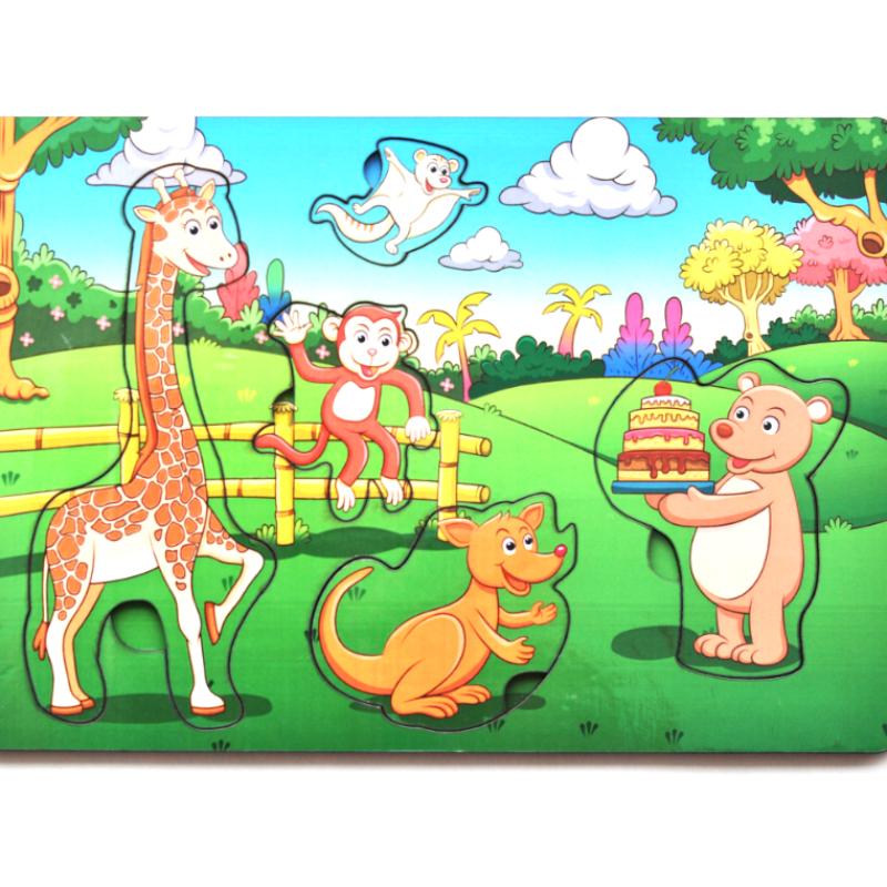 Развивающая игрушка: рамка-вкладка  «День рождеения в лесу»