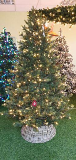 Искусственная елка Датская 155 см 216 ламп зеленая