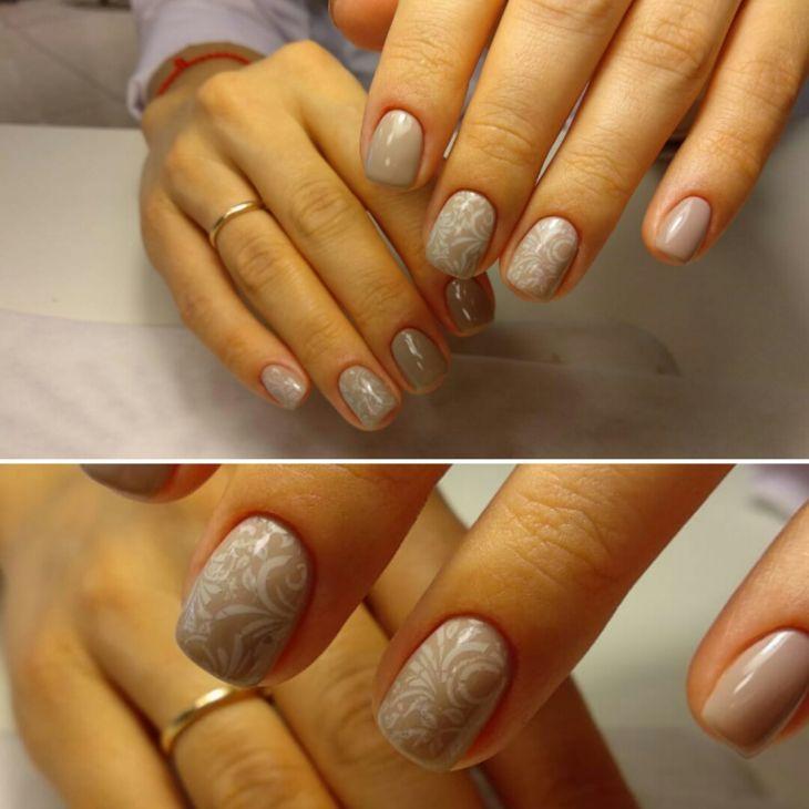 Узор на ногтях.