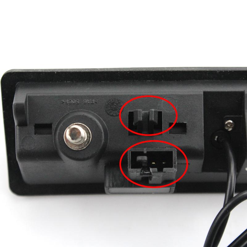 Камера заднего вида Шкода Суперб (2016+) в ручку багажника