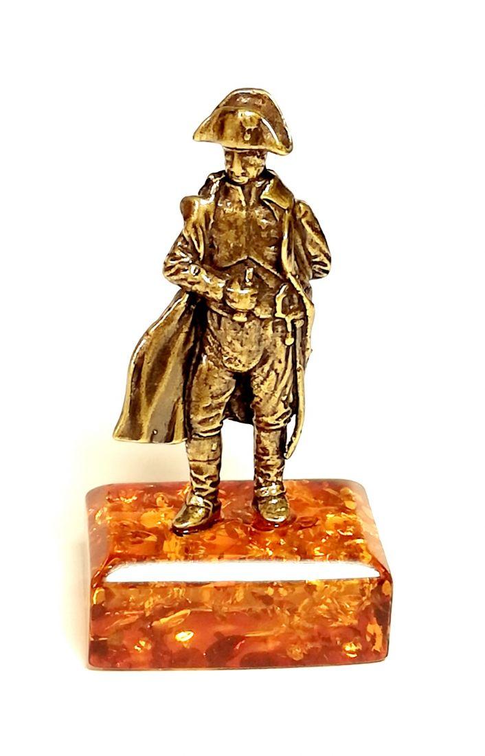 Фигурка на янтаре Наполеон