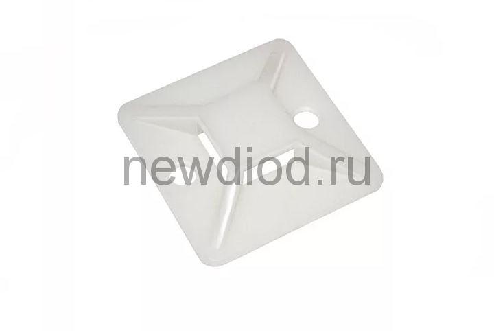 Площадка самоклеящаяся ПС-20 20х20 под хомуты (100штук/упаковка) IN HOME
