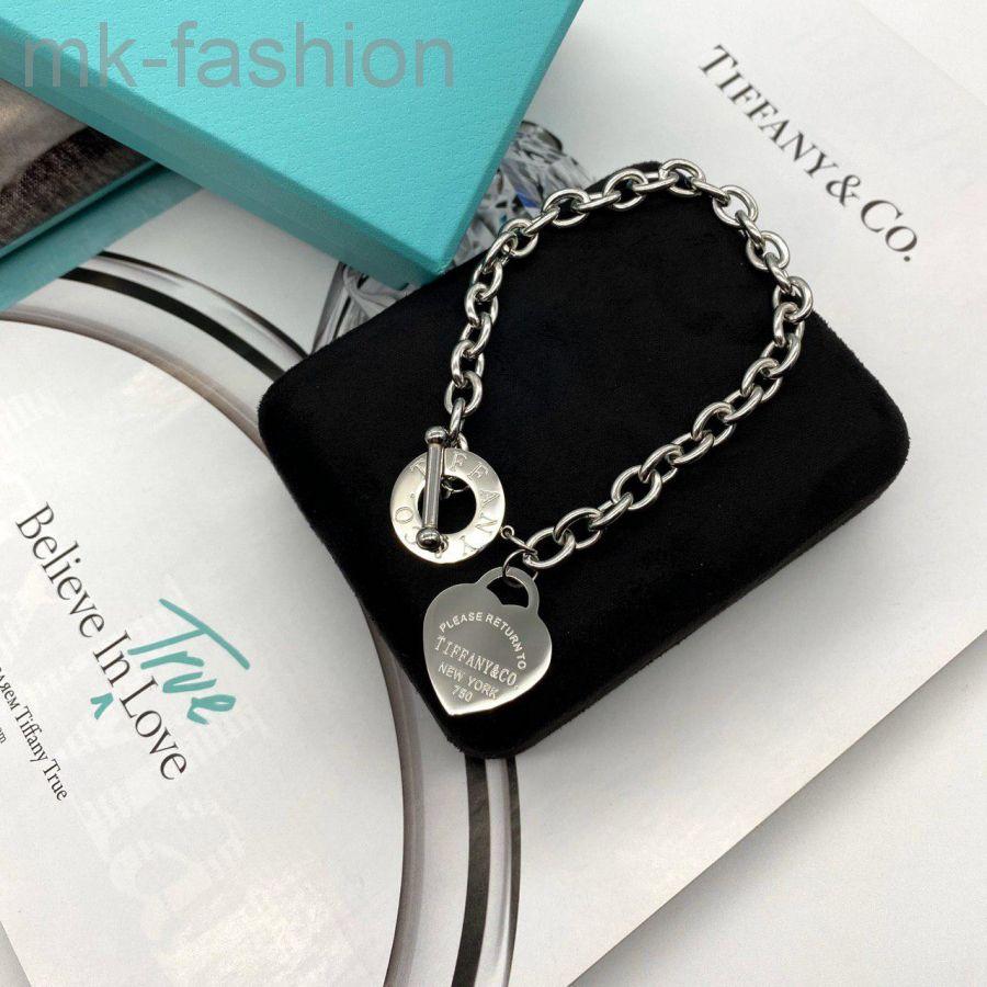 Браслет с подвеской-жетоном Return to Tiffany™ в форме сердца