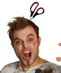 Прикол на хэллоуин Ножницы в голове