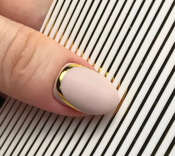 Полоски для ногтей золото