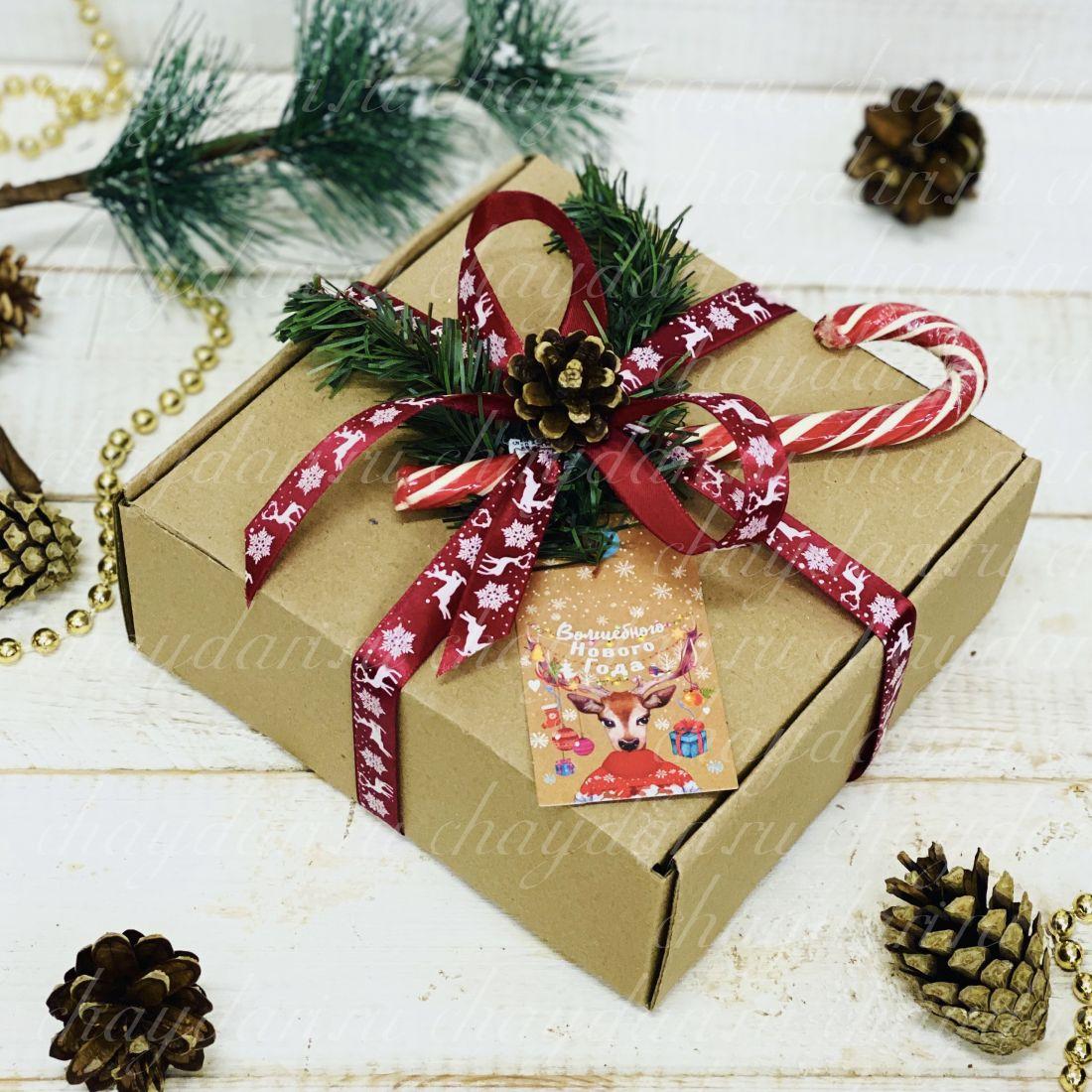 """Коробка с чаем и сладостями """"Новогодний леденец"""""""