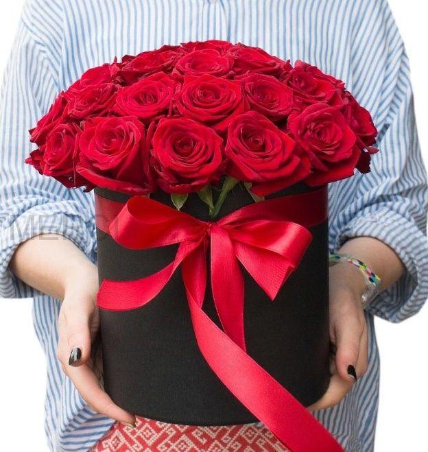 Коробка с розами 25 шт черная
