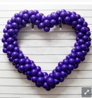 Однотонное плетёное сердце из воздушных шаров