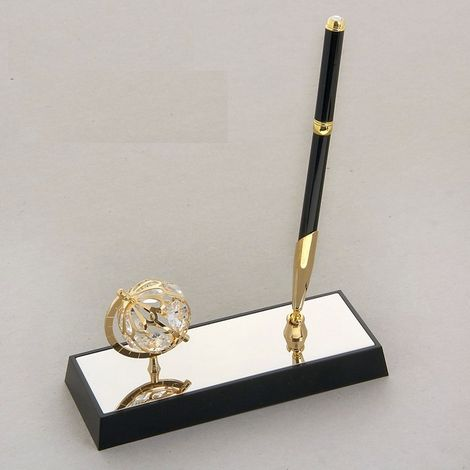 Ручка на подставке с глобусом