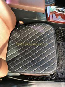 Чехлы на сидения для Toyota / Lexus