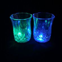 Мерцающая рюмка Light-up Liquid Activated Glass 70 мл, 1 шт.