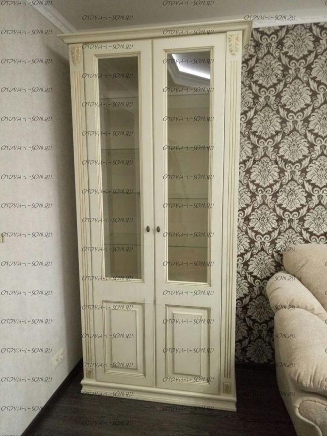 Шкаф-витрина 2-дверный Ферсия, мод. 28 МДФ с 2 пилястрами