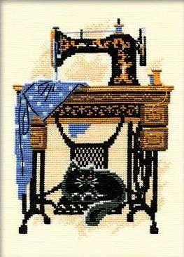 Набор для вышивания крестом Швейная машинка №857 фирма Риолис