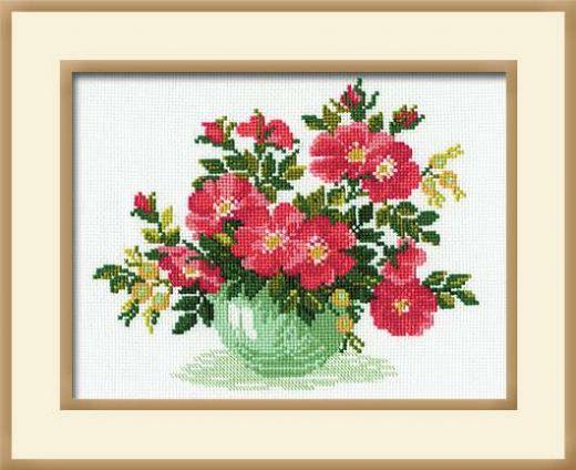 Набор для вышивания крестом Дикая роза №871 фирма Риолис