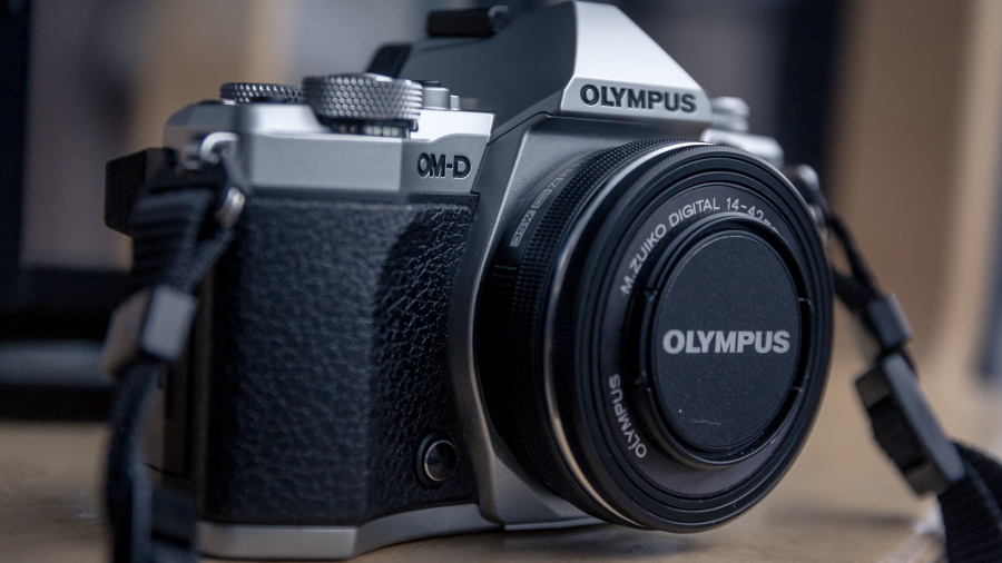 OLYMPUS OM-D E-M5 MARK II KIT 14-42 MM EZ