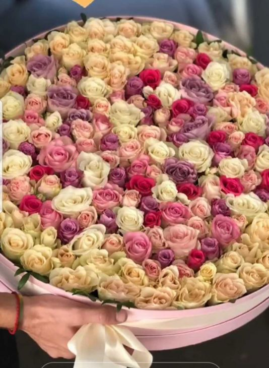 Коробочка микс из 151 розы