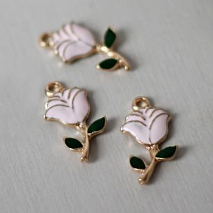 Кукольный аксессуар Подвеска цветок плоский нежно-розовый
