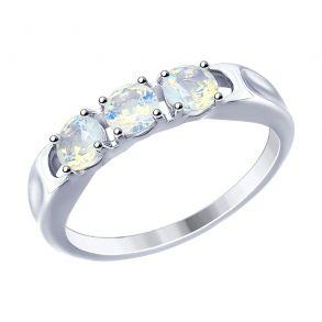 Кольцо из серебра с белыми ситаллами 94012553 SOKOLOV