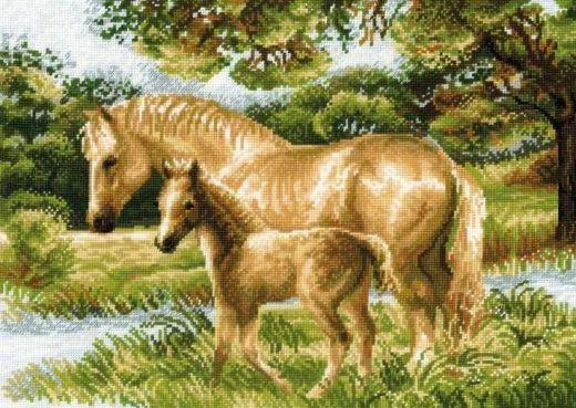 Набор для вышивания крестом Лошадь с жеребёнком №1258 фирма Риолис